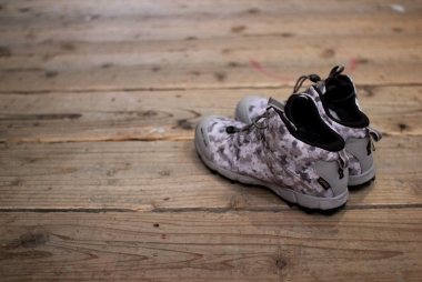 foot the coacher × inov-8 / URBANCAMO286