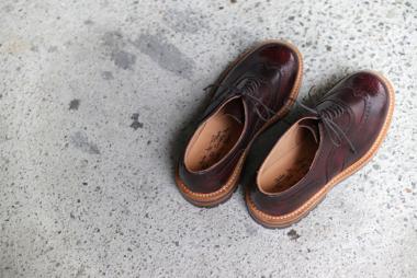 春も革靴。